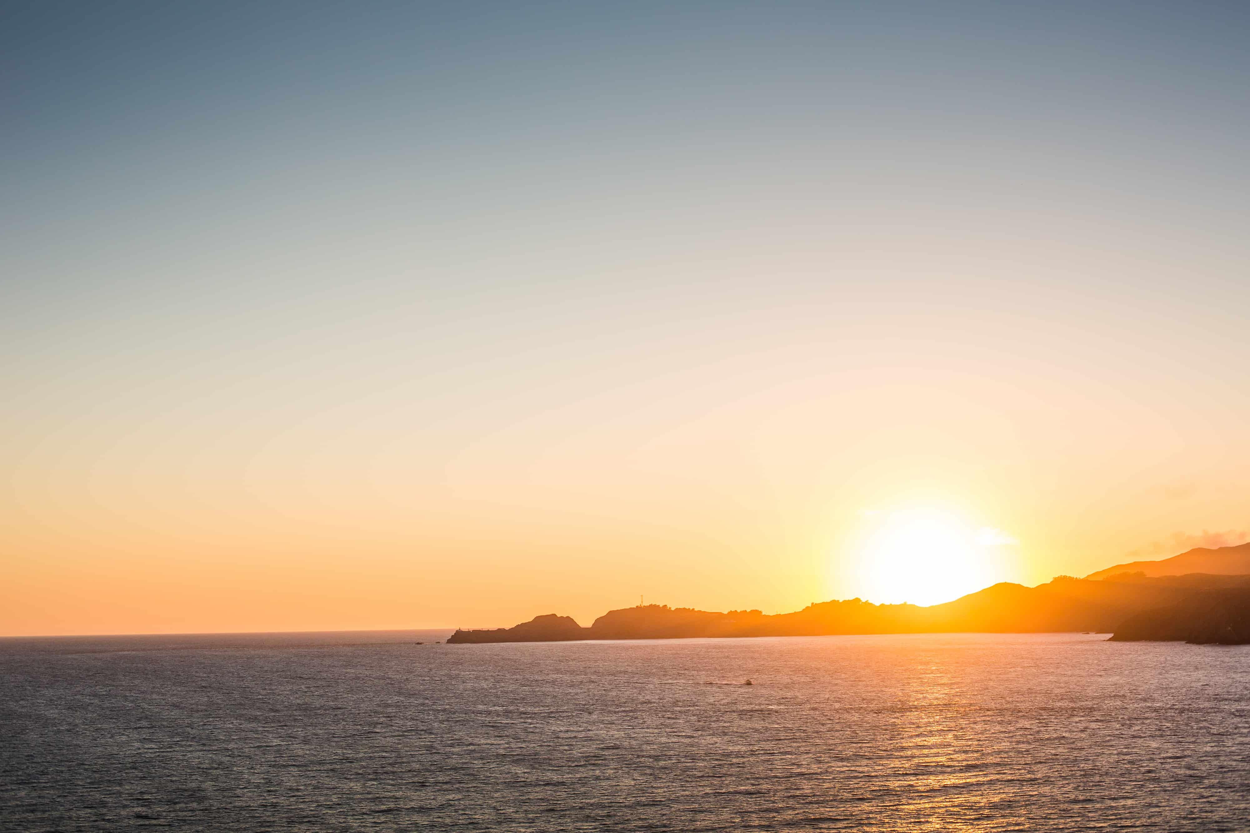 beautiful-sunset-over-the-oceanside-picjumbo-com